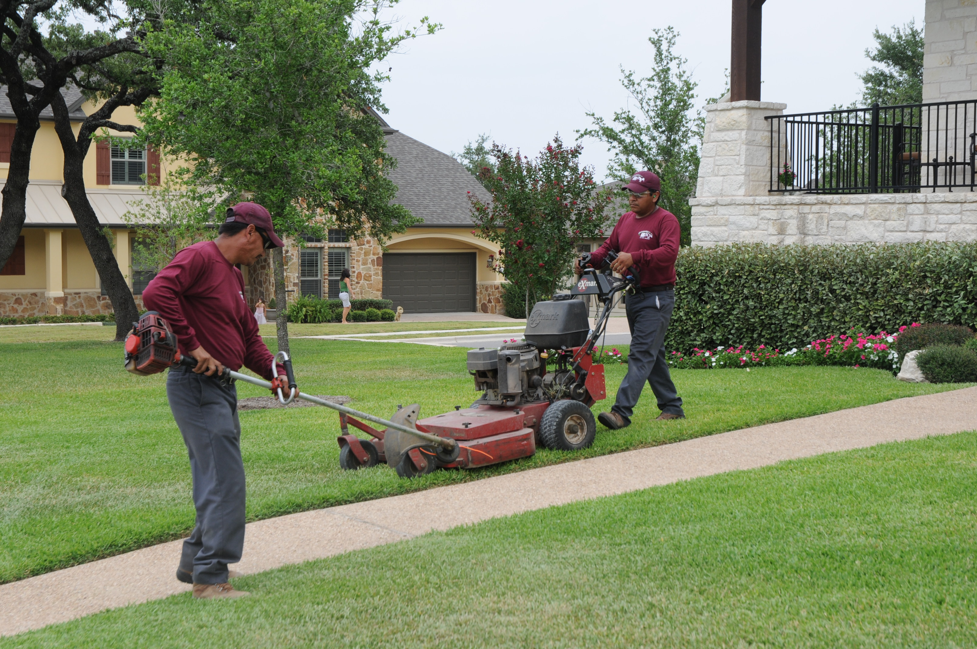 Lawn care service murray lawn mower parts for Local lawn mowing services